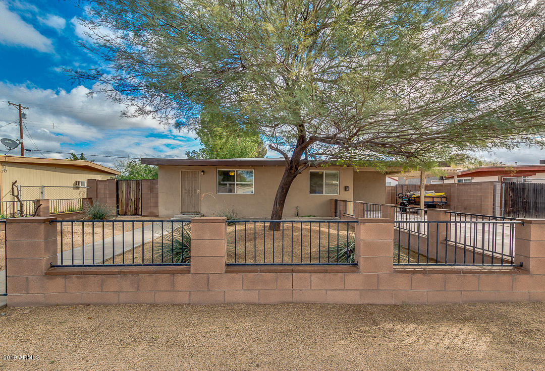 Photo of 2051 N 34TH Place, Phoenix, AZ 85008