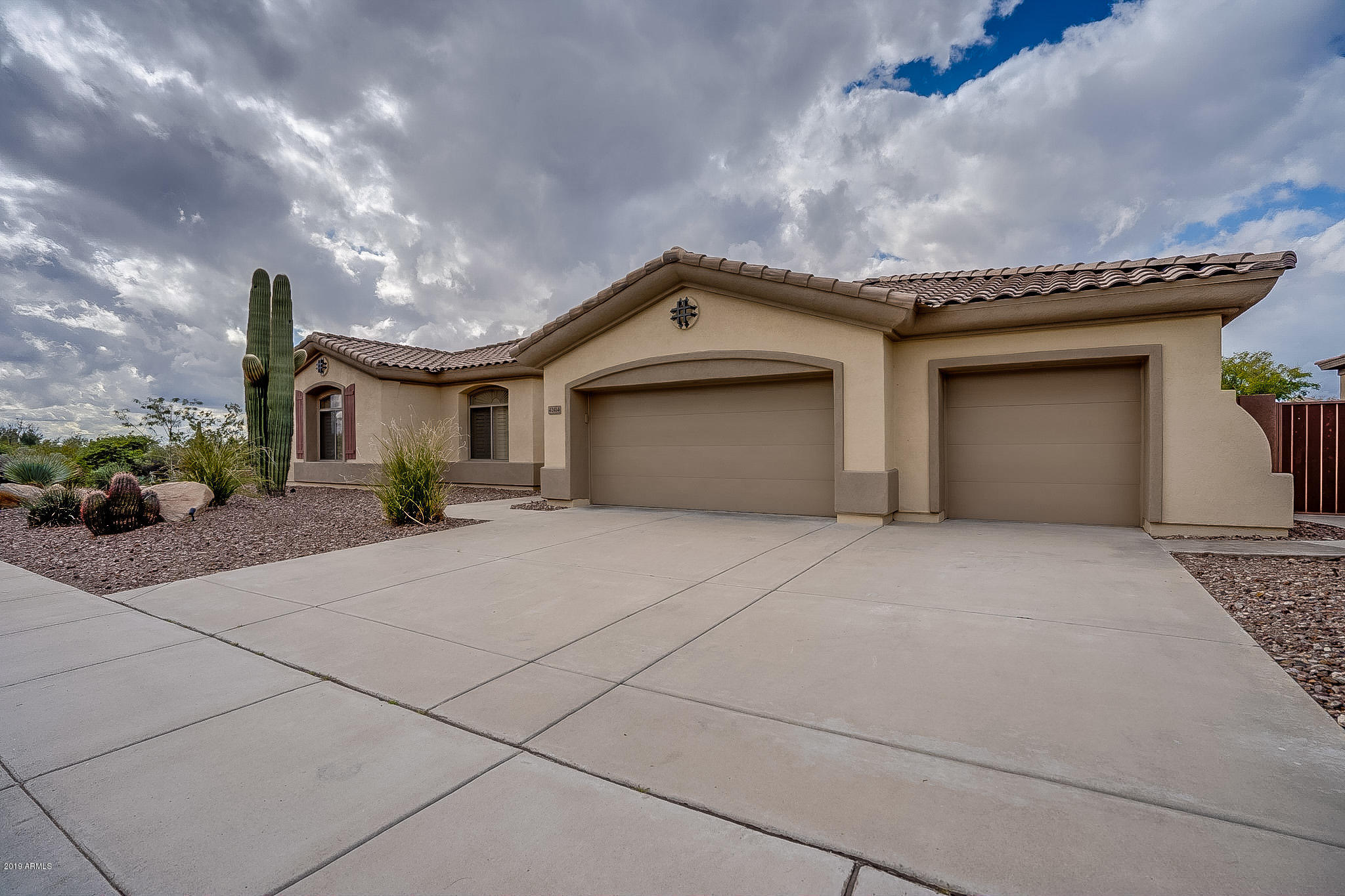 42414 N STONEMARK Drive, Anthem, Arizona