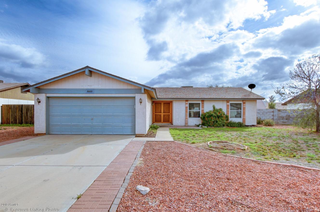 Photo of 8603 W GOLDEN Lane, Peoria, AZ 85345
