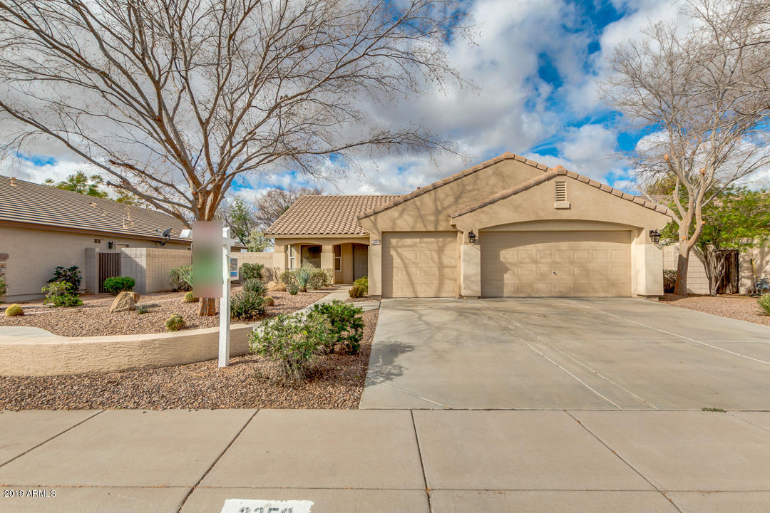 Photo of 2350 S SOUTHWIND Drive, Gilbert, AZ 85295