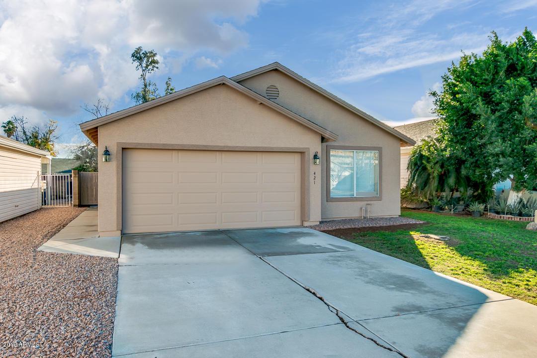 Photo of 421 N SHAYLEE Lane, Gilbert, AZ 85234