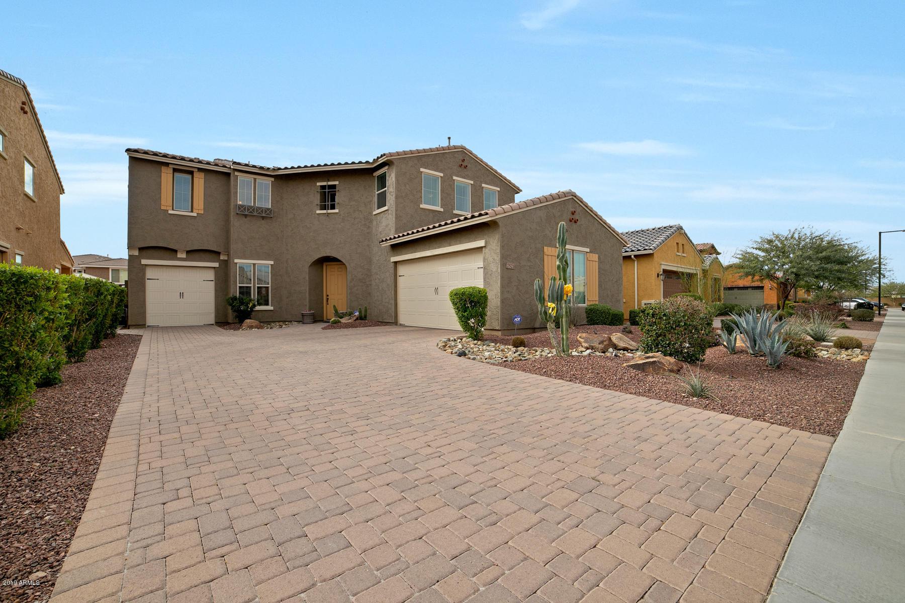 Photo of 2521 W BALAO Drive, Phoenix, AZ 85085