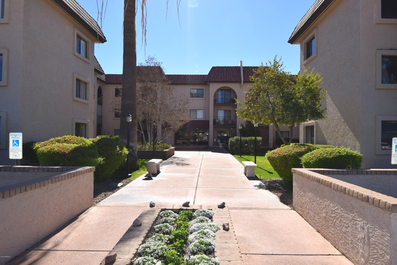 Photo of 3033 E DEVONSHIRE Avenue #2003, Phoenix, AZ 85016