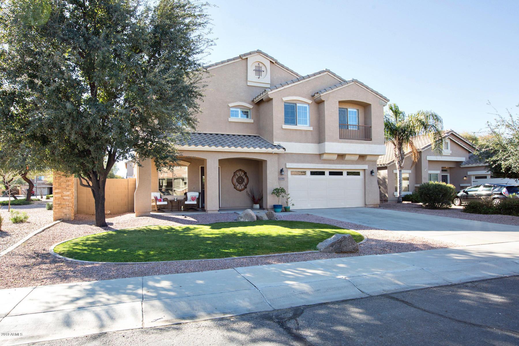Photo of 1295 E BLUEBIRD Drive, Gilbert, AZ 85297