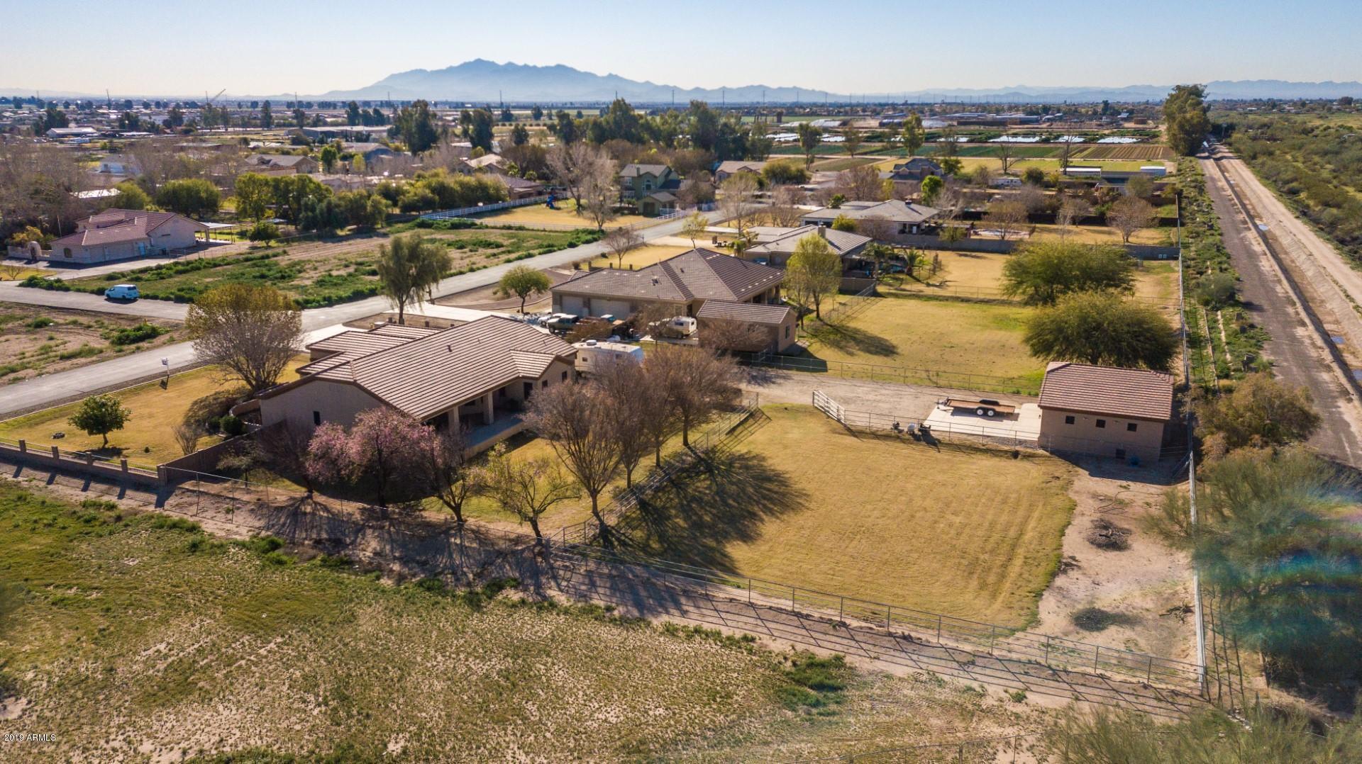 MLS 5882446 4924 N 190TH Drive, Litchfield Park, AZ Litchfield Park Horse Property for Sale