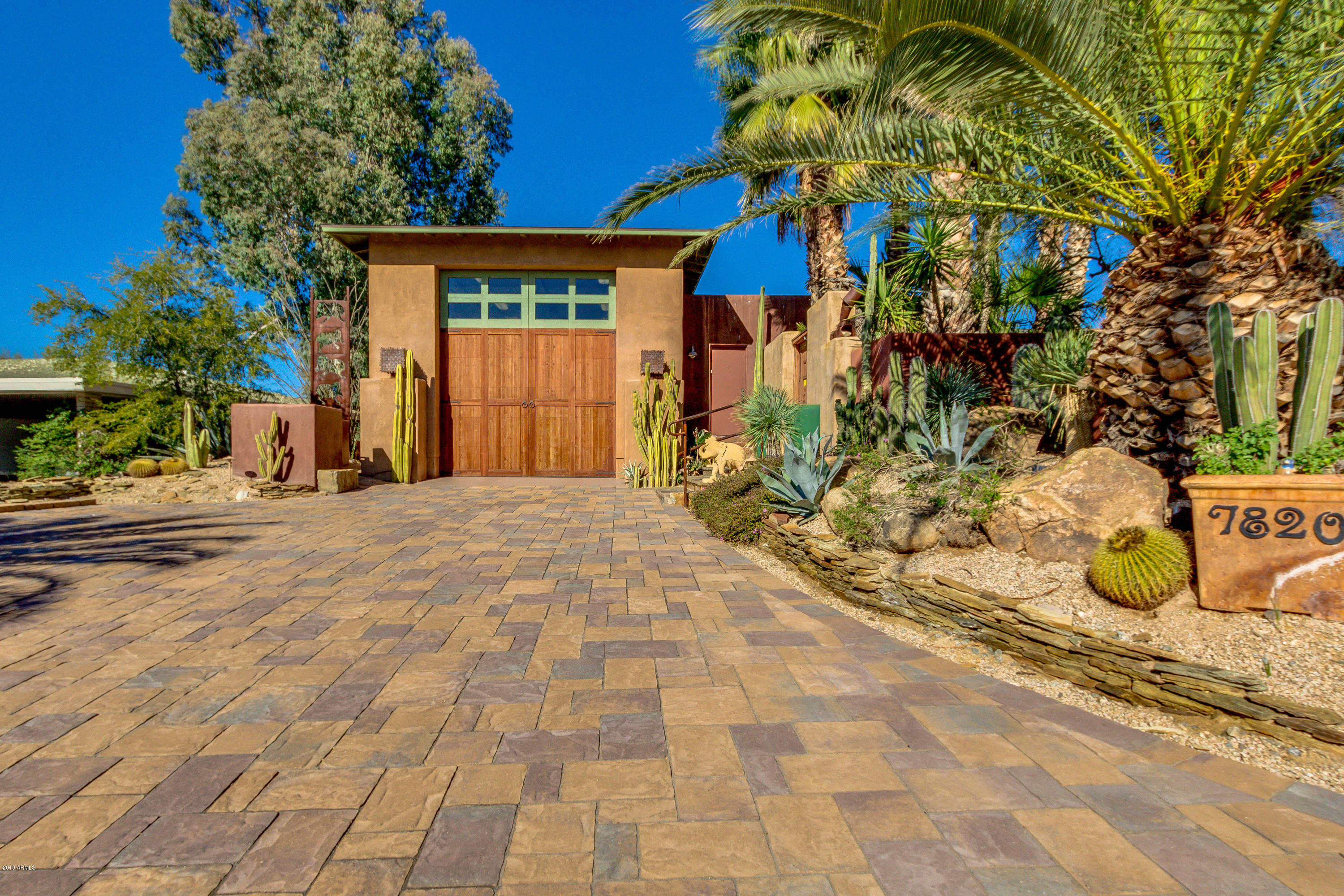 Photo of 7820 E RAMBLING Road, Carefree, AZ 85377