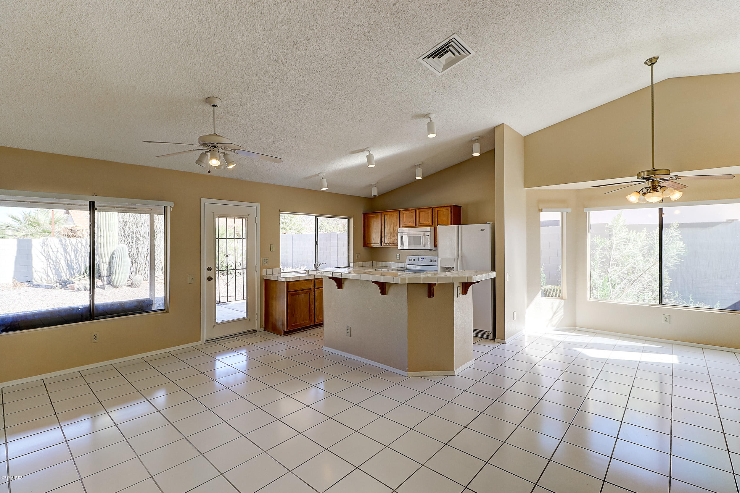 Photo of 4660 W WHITTEN Street, Chandler, AZ 85226