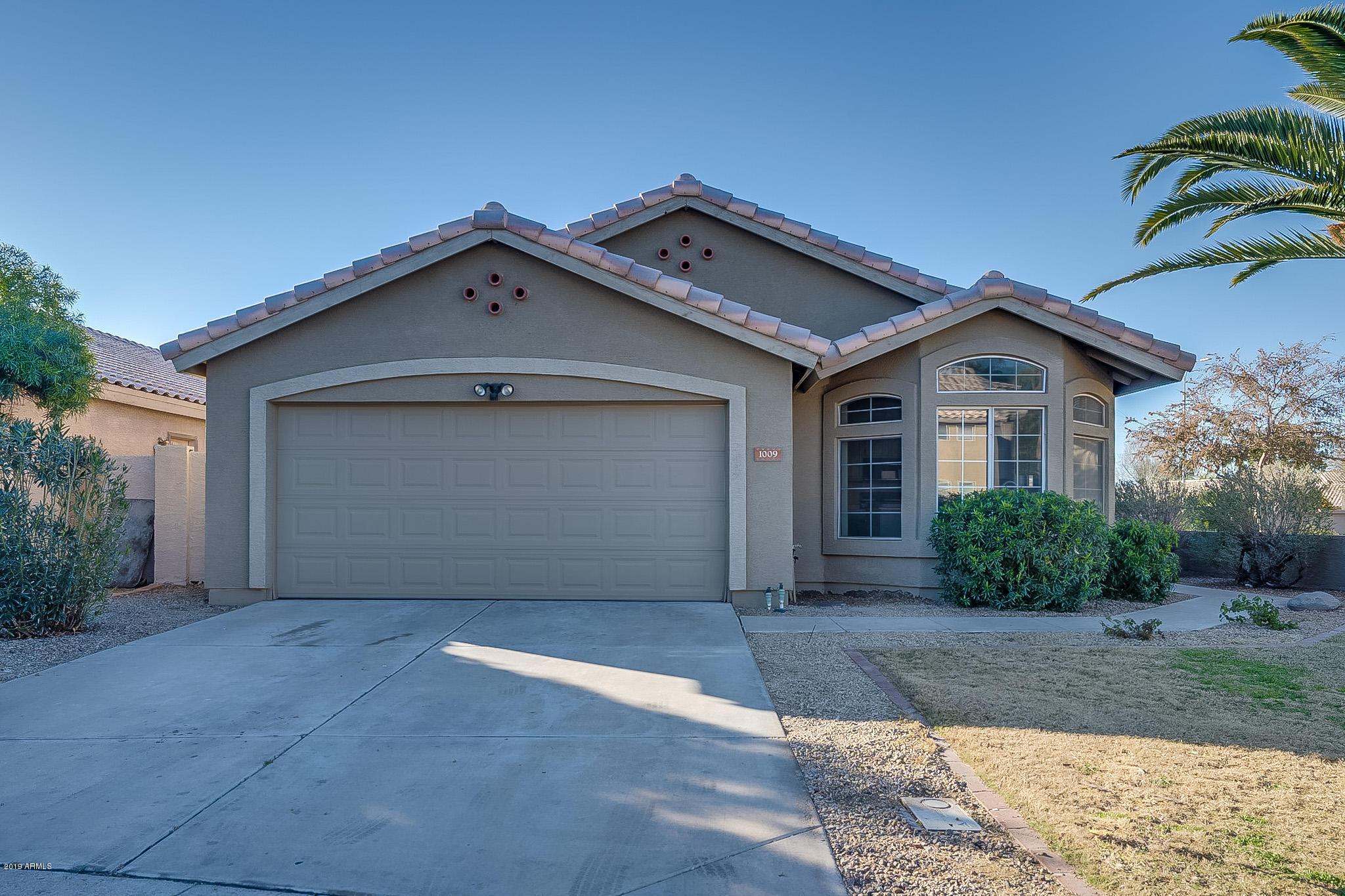 Photo of 1009 N LONGMORE Street, Chandler, AZ 85224