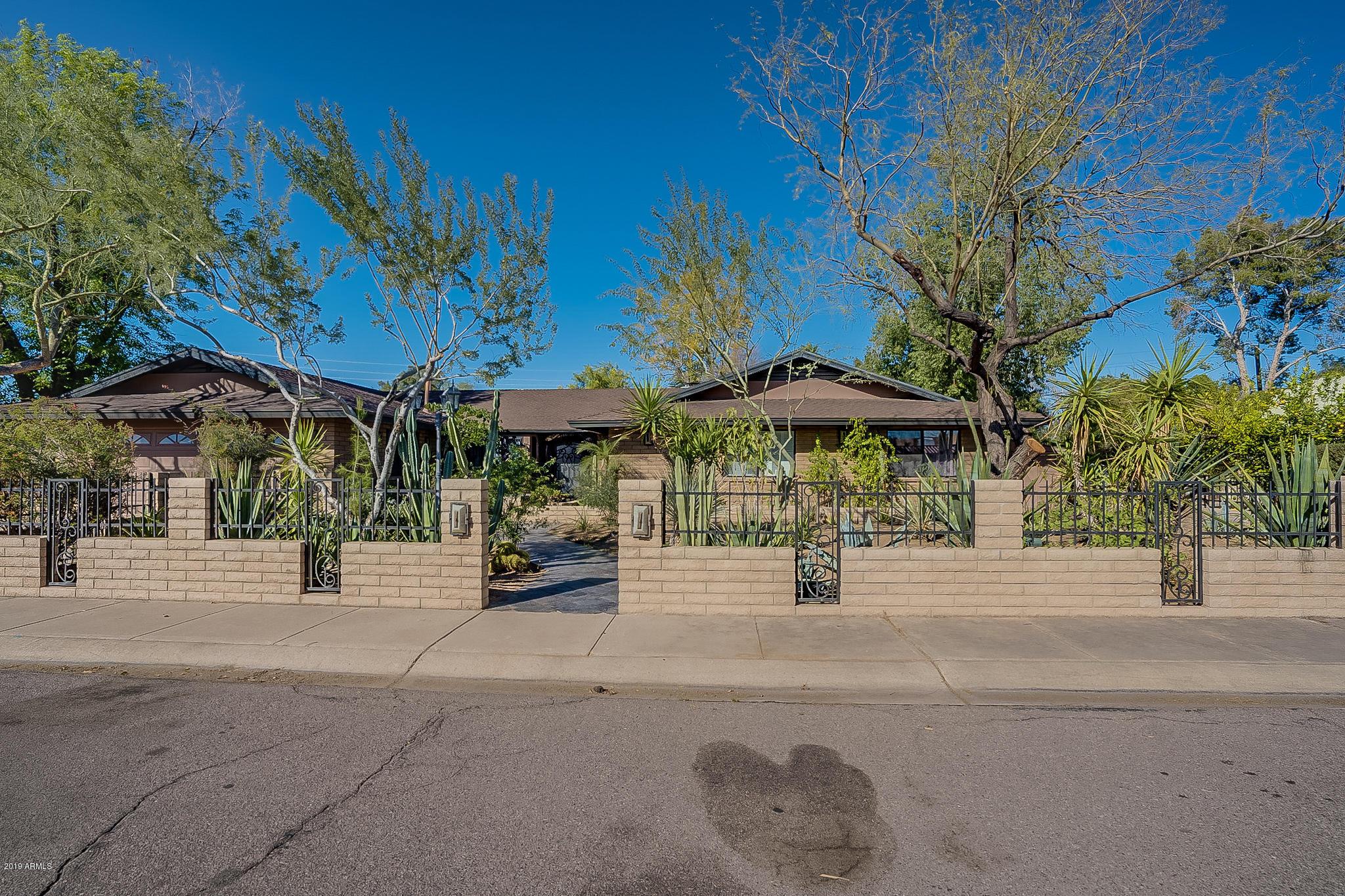 Photo of 2124 E GENEVA Drive, Tempe, AZ 85282