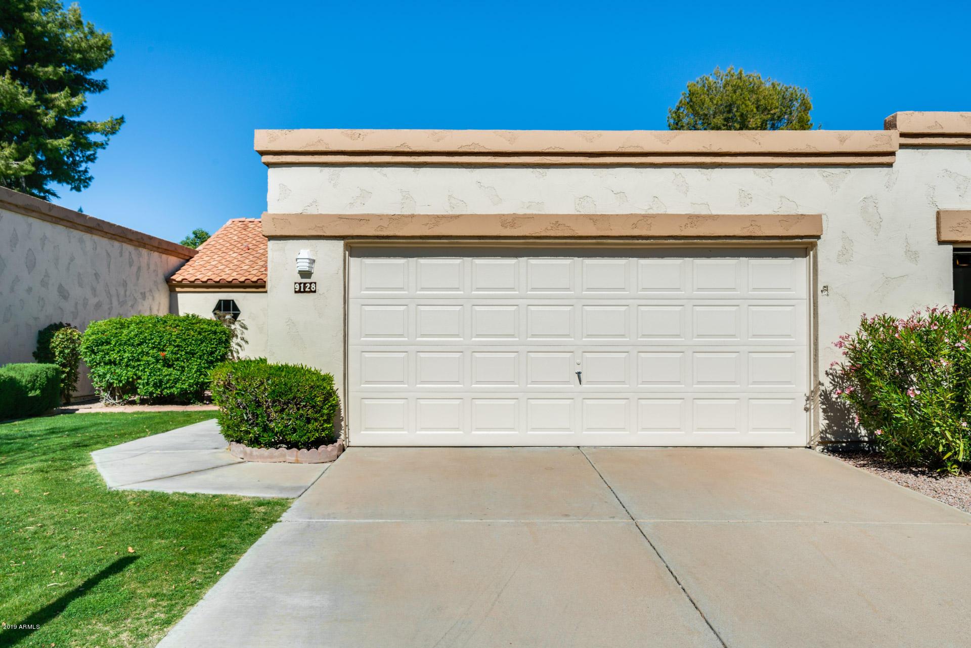 Photo of 9128 W TOPEKA Drive, Peoria, AZ 85382