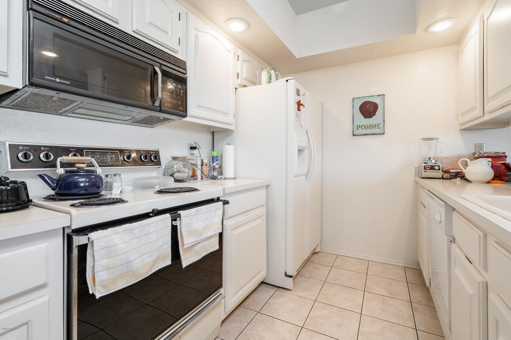 25609 N FOREST Road Unit 13 Photo 8