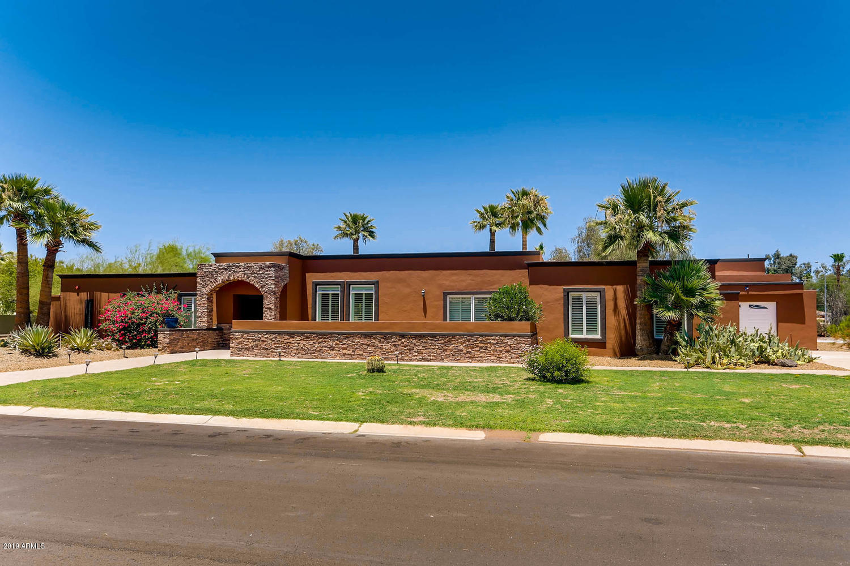 Photo of 6816 E NORTH Lane, Paradise Valley, AZ 85253