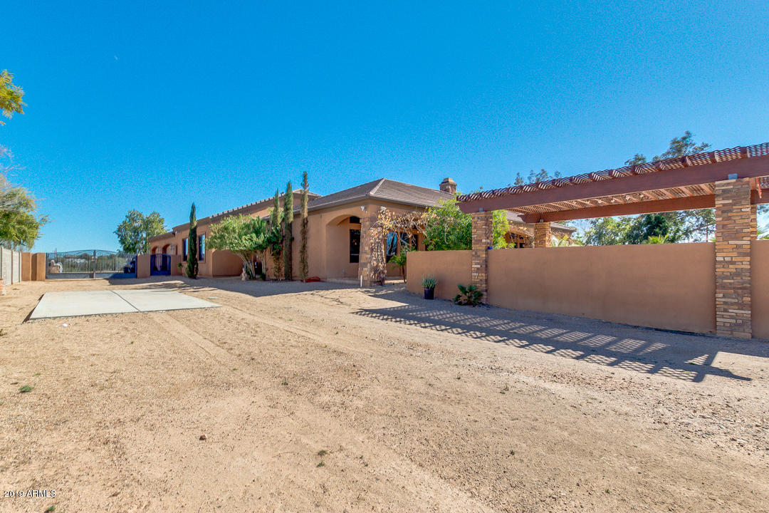 MLS 5882471 24014 N 104TH Avenue, Peoria, AZ Peoria Horse Property for Sale