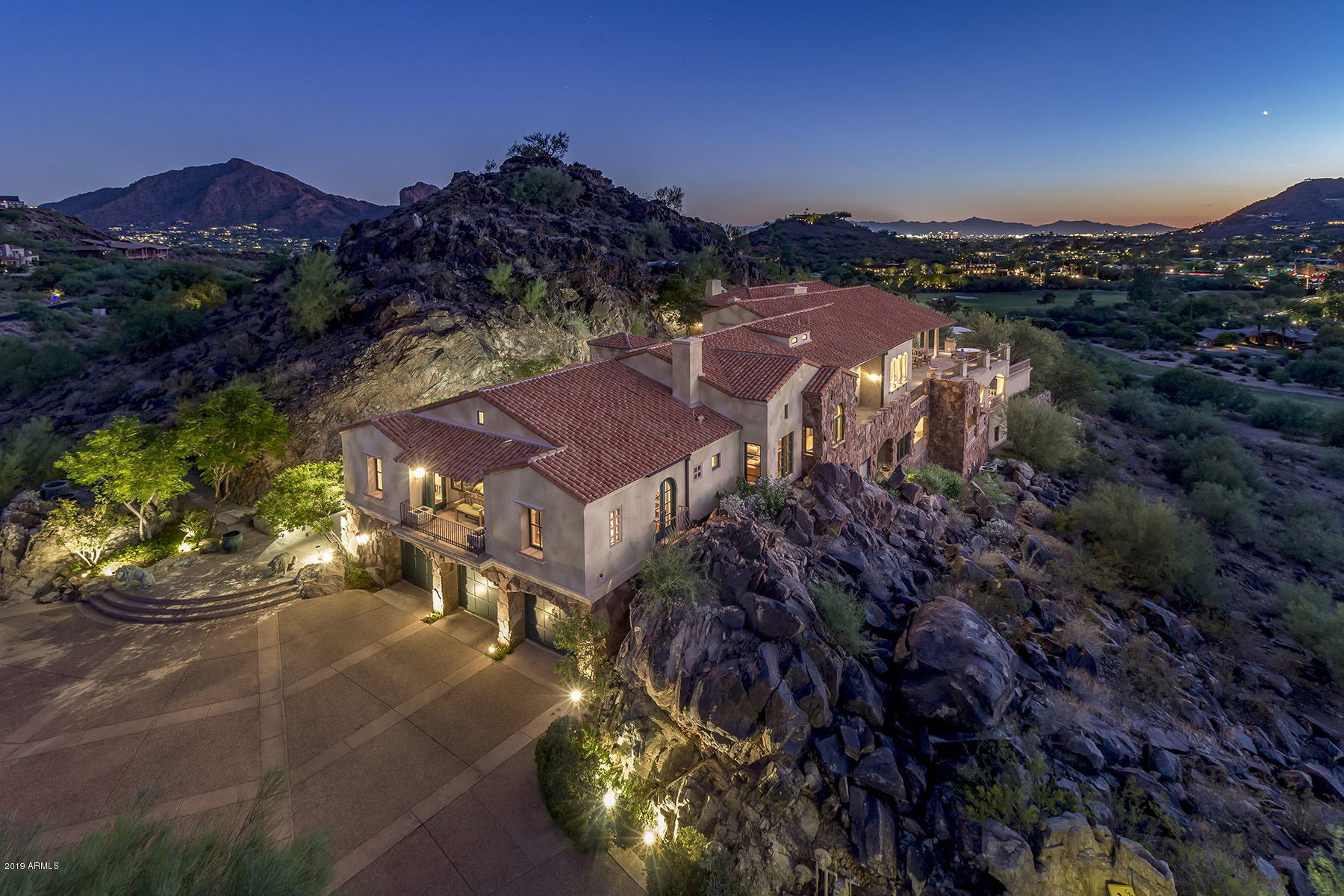 Photo of 7400 N SHADOW MOUNTAIN Road, Paradise Valley, AZ 85253