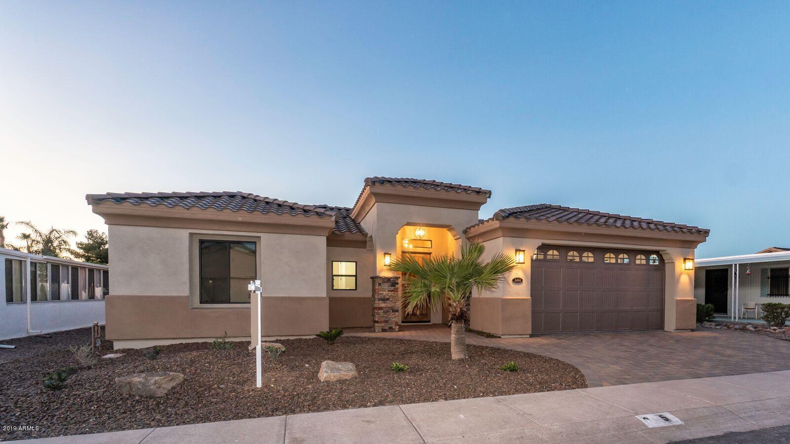 Photo of 5917 E KENWOOD Street, Mesa, AZ 85215