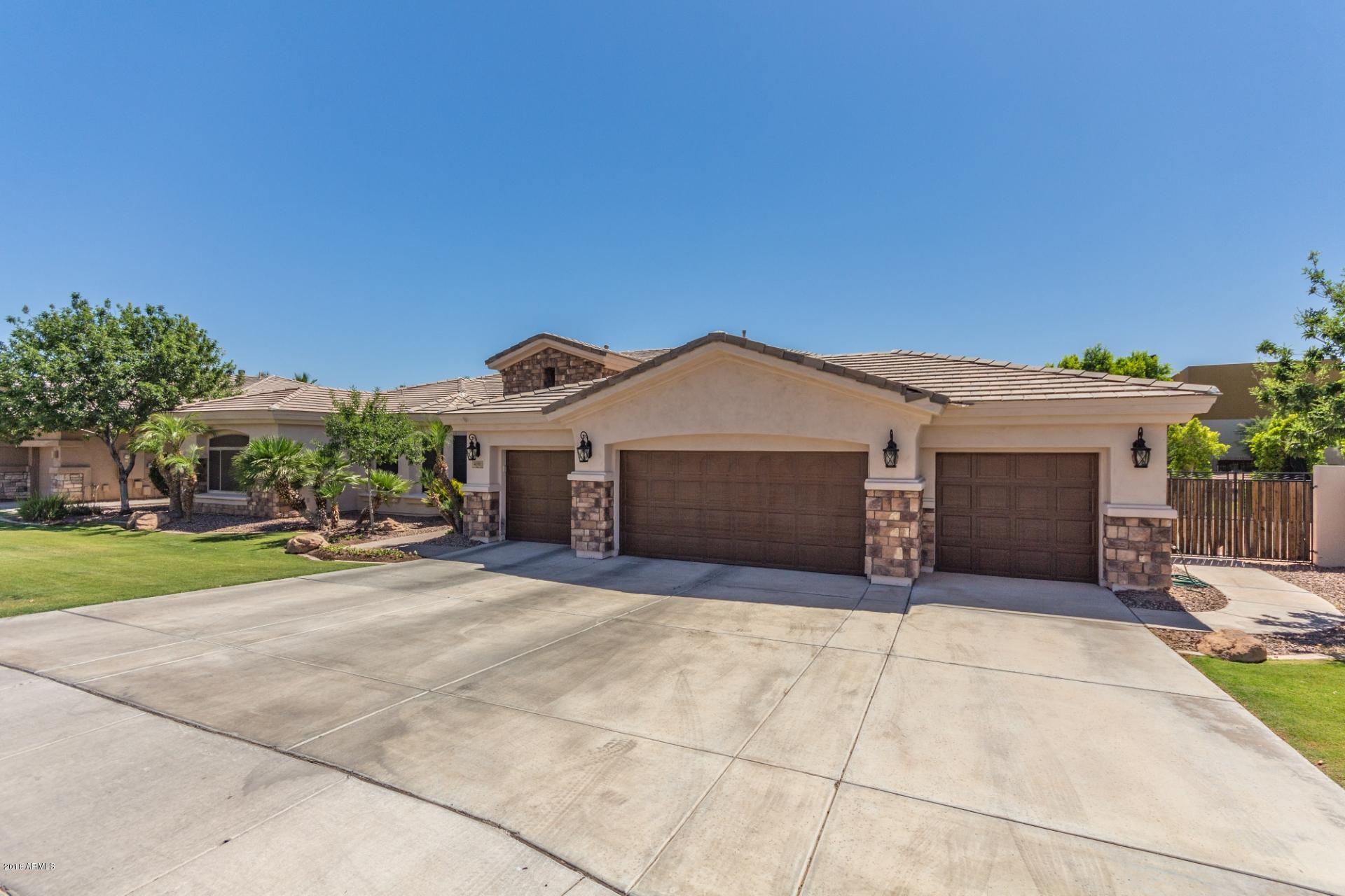 Photo of 4191 S PURPLE SAGE Drive, Chandler, AZ 85248