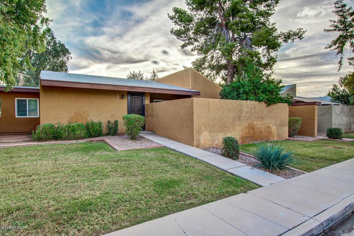 Photo of 907 S HACIENDA Drive, Tempe, AZ 85281