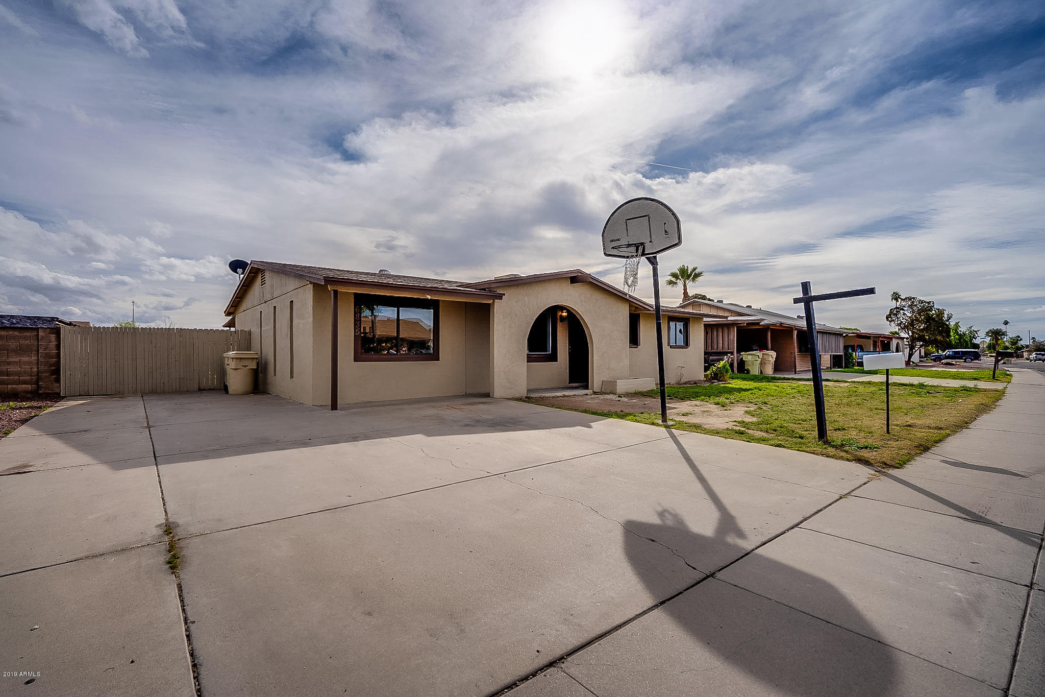 Photo of 6835 W SAN JUAN Avenue, Glendale, AZ 85303