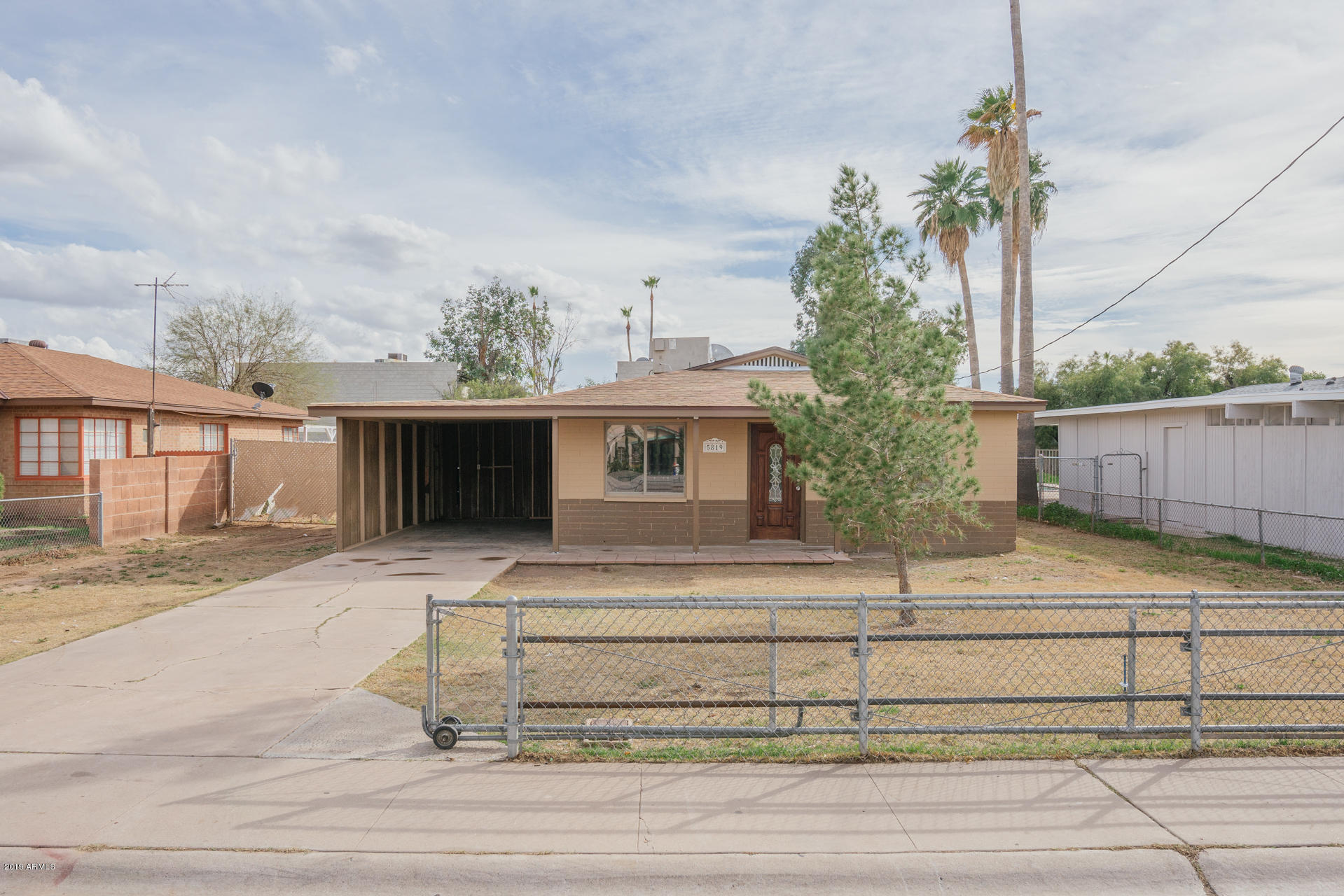 Photo of 5819 W CITRUS Way, Glendale, AZ 85301