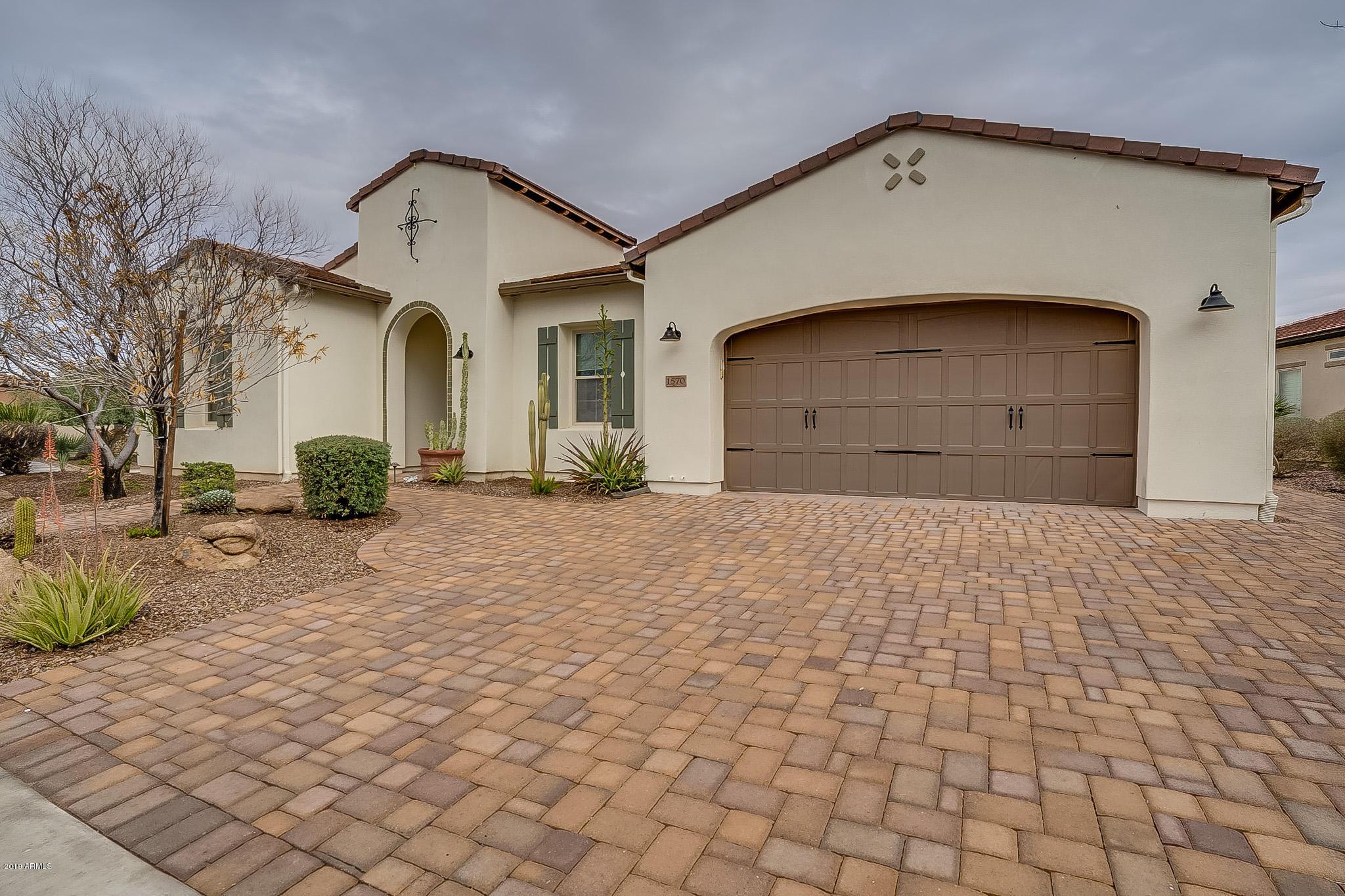 Photo of 1570 E Sattoo Way, San Tan Valley, AZ 85140