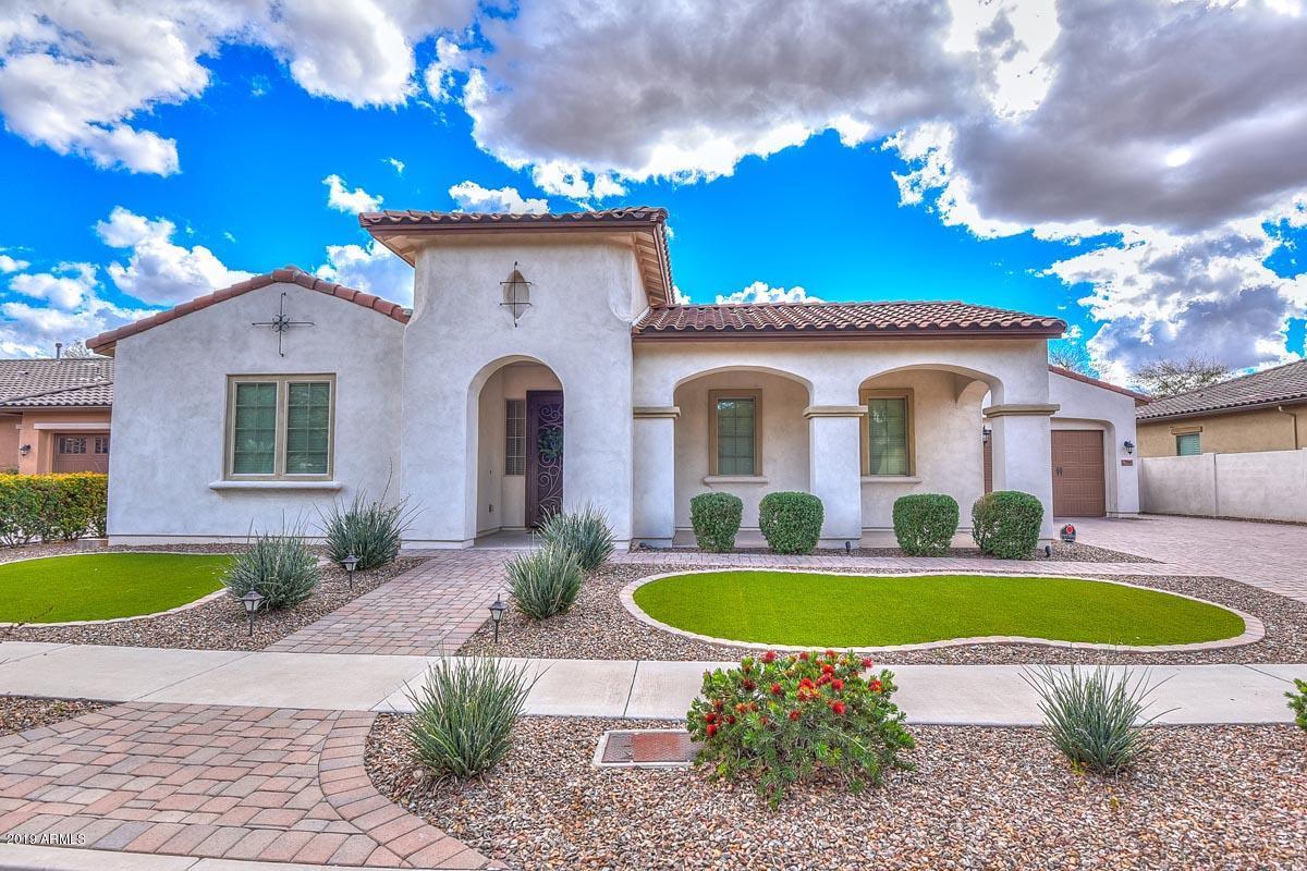 Photo of 7565 W TRAILS Drive, Glendale, AZ 85308