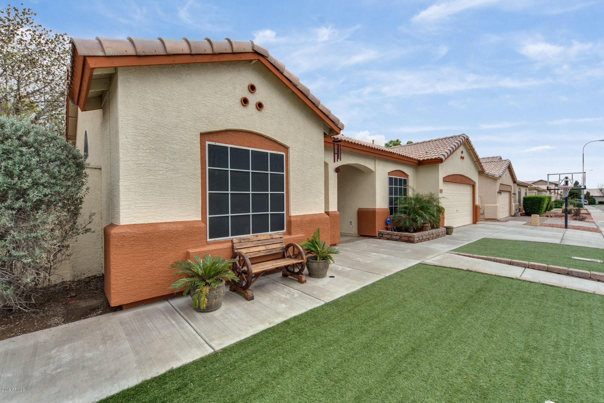 Photo of 1663 E CONSTITUTION Drive, Chandler, AZ 85225