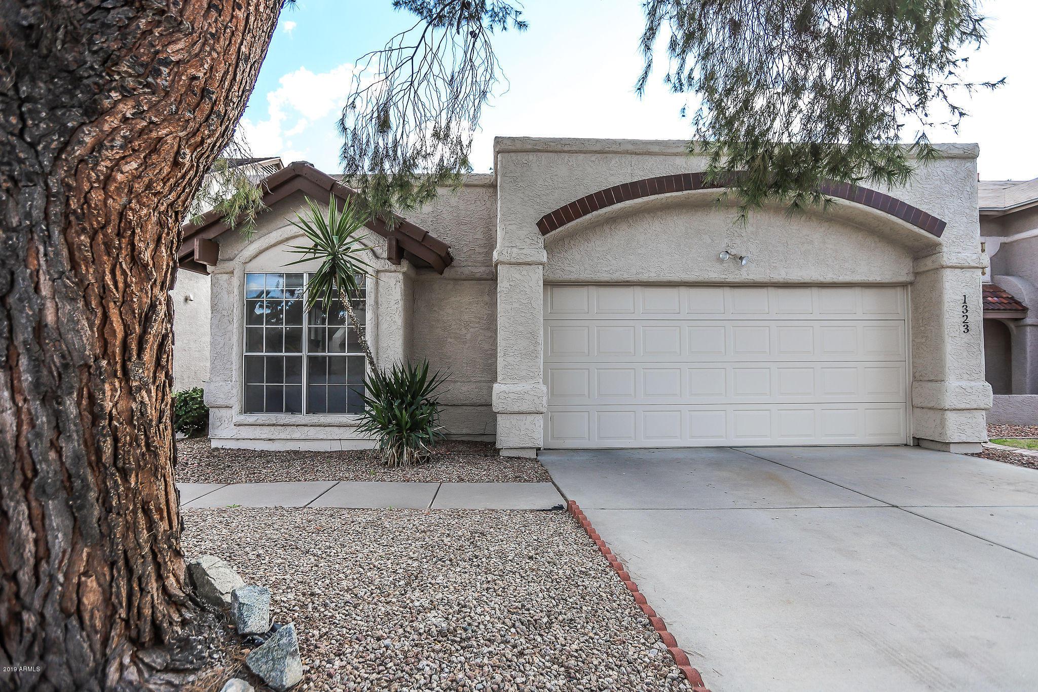 Photo of 1323 W MANOR Street, Chandler, AZ 85224