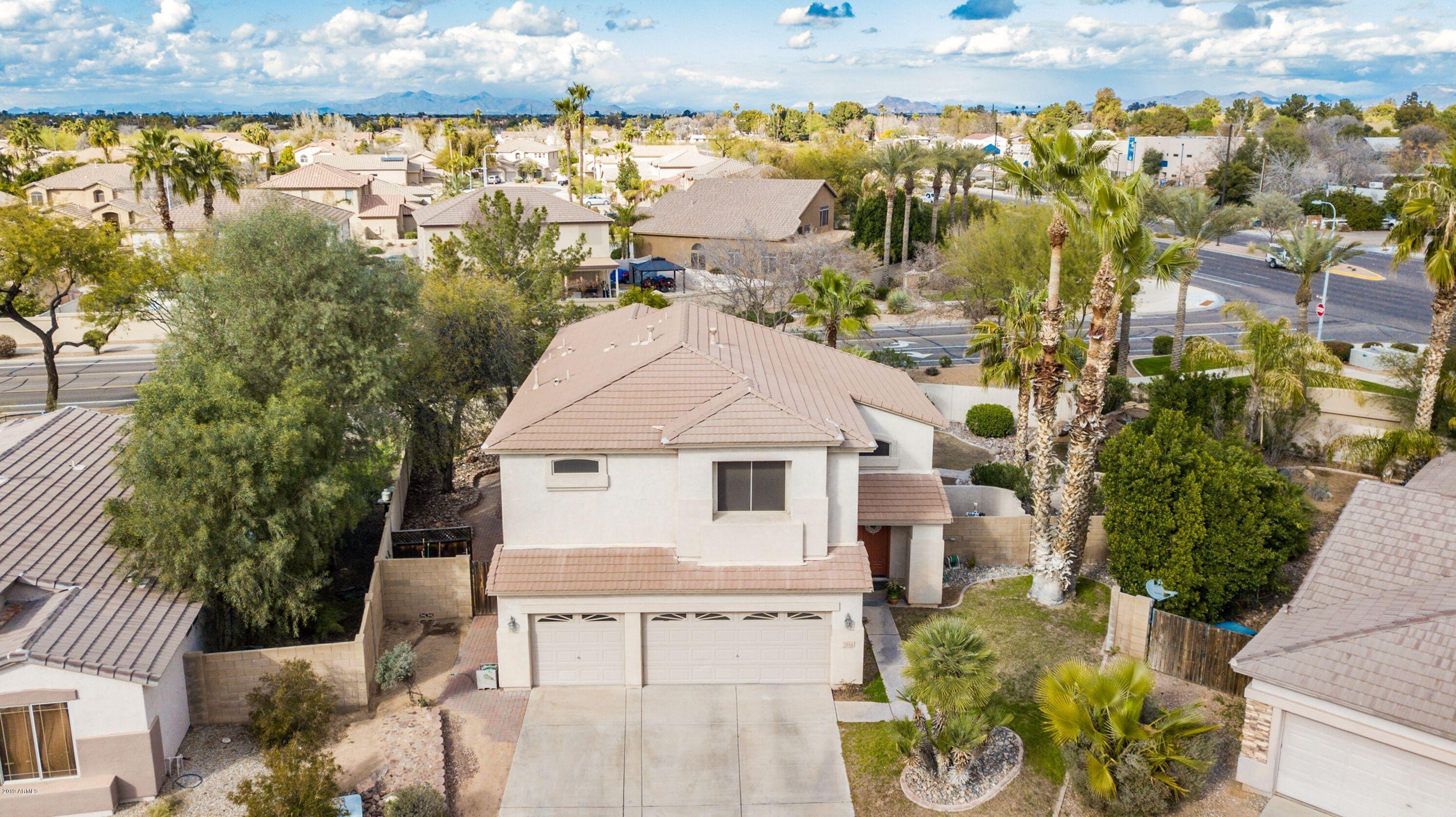 Photo of 2910 E CARLA VISTA Drive, Chandler, AZ 85225