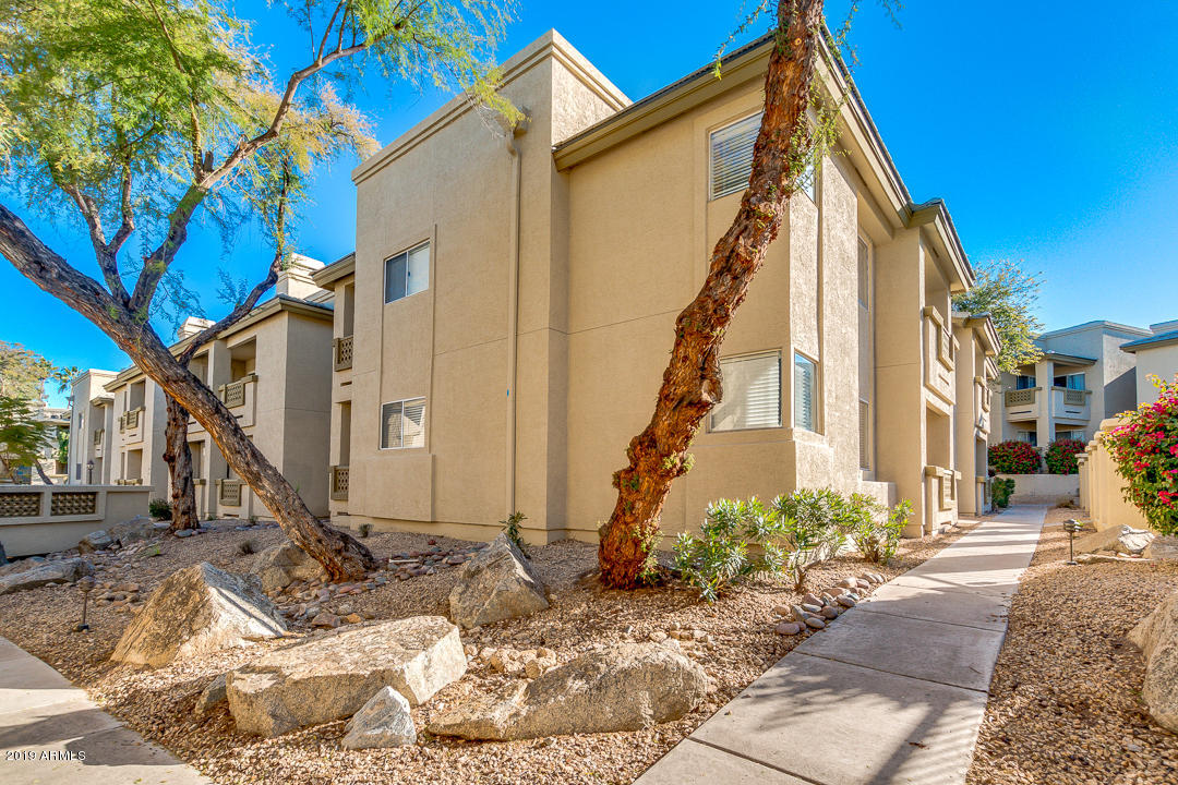 Photo of 1880 E MORTEN Avenue #125, Phoenix, AZ 85020