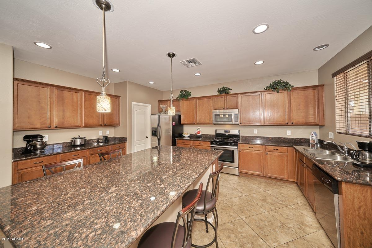 Photo of 2034 S MARTINGALE Road, Gilbert, AZ 85295