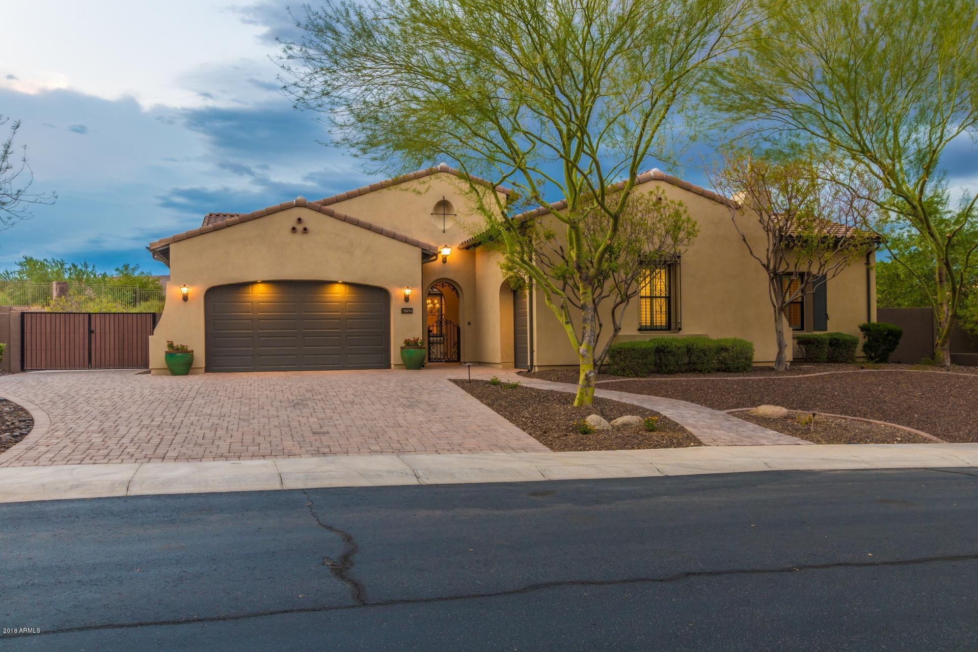 6752 W LUCIA Drive, Peoria, Arizona