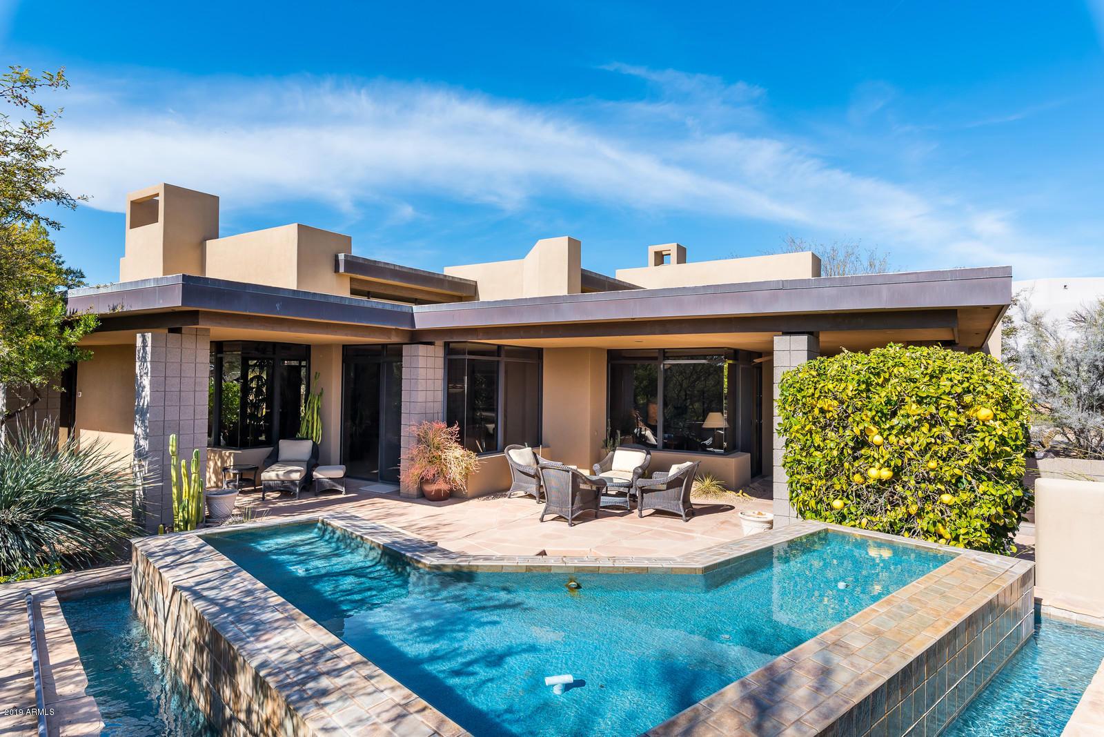 Photo of 10687 E FERNWOOD Lane, Scottsdale, AZ 85262