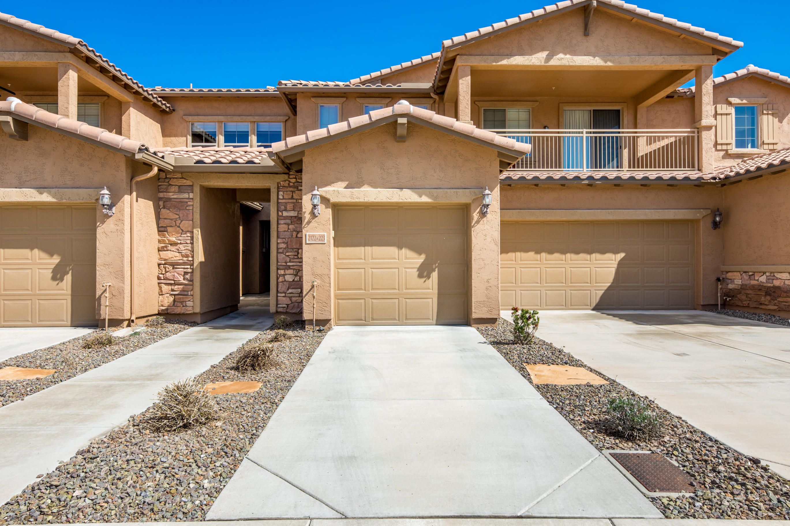 Photo of 2122 W TALLGRASS Trail #223, Phoenix, AZ 85085