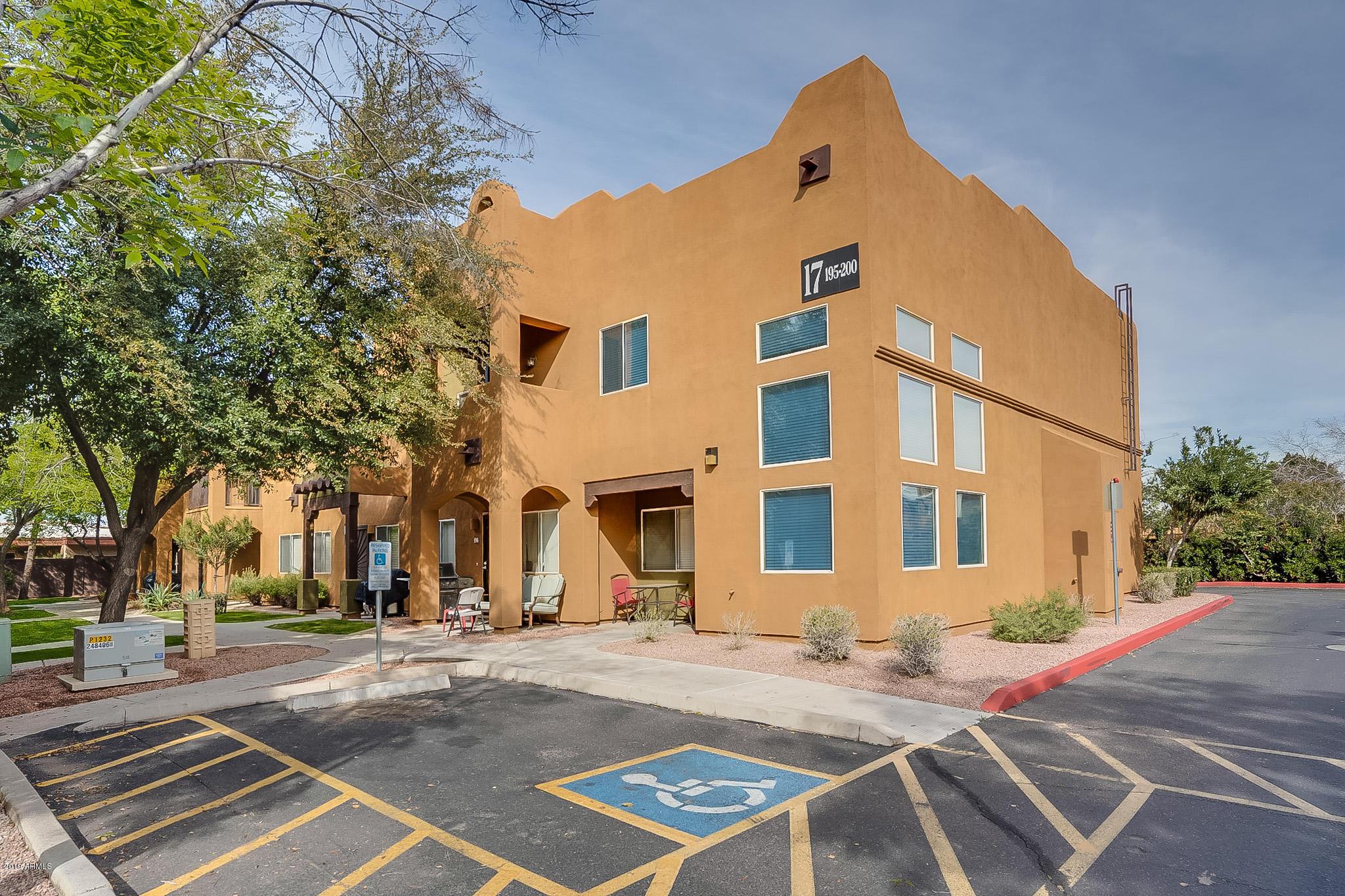 Photo of 1718 W COLTER Street #200, Phoenix, AZ 85015