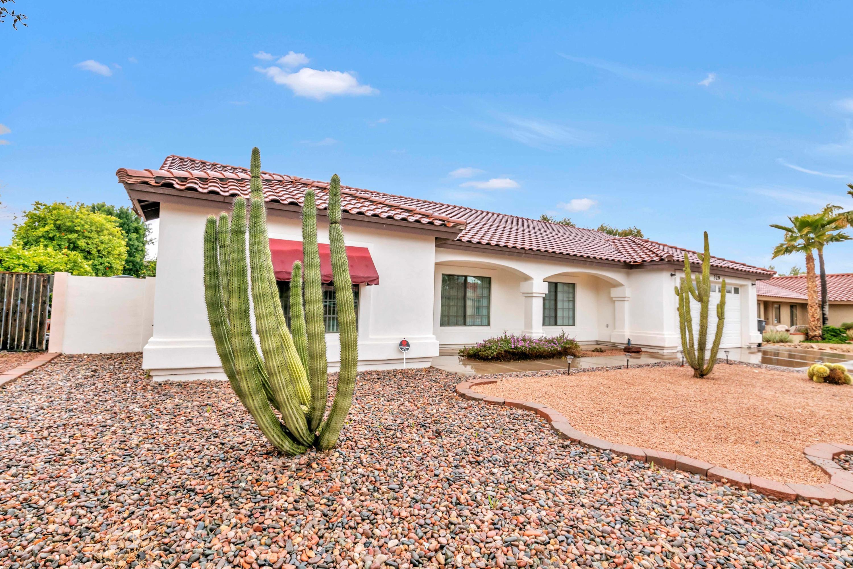 Photo of 329 E HUBER Street, Mesa, AZ 85201