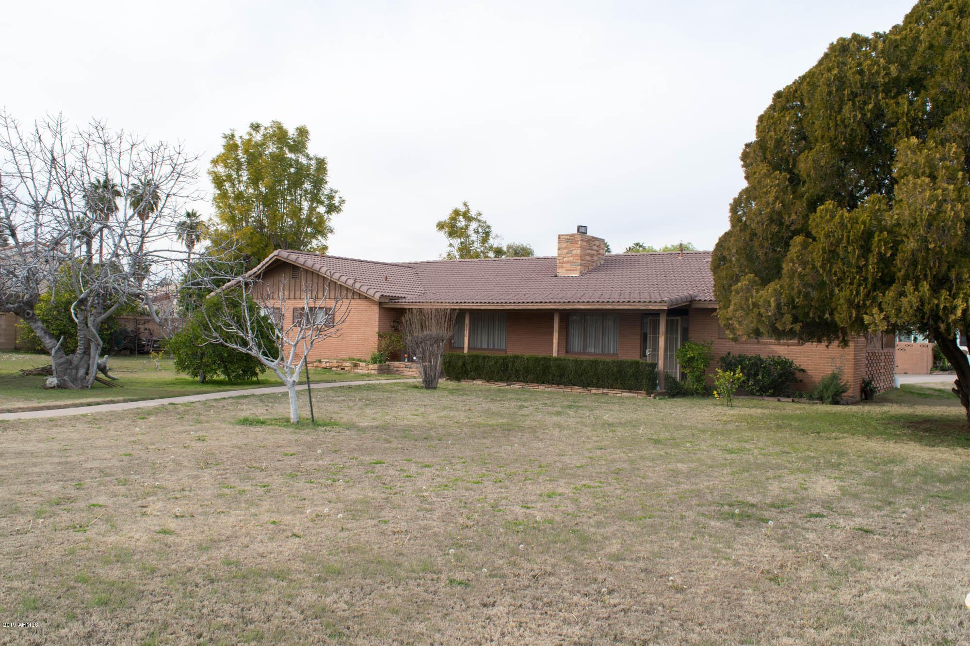 Photo of 4250 E OSBORN Road, Phoenix, AZ 85018