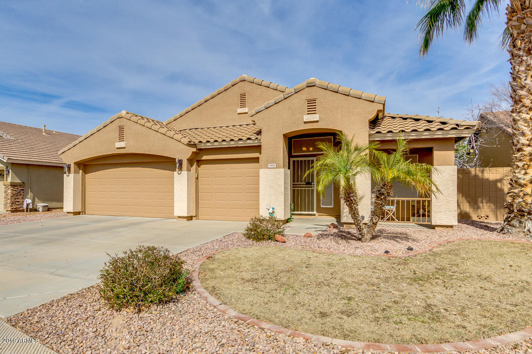 Photo of 3868 E REMINGTON Drive, Gilbert, AZ 85297