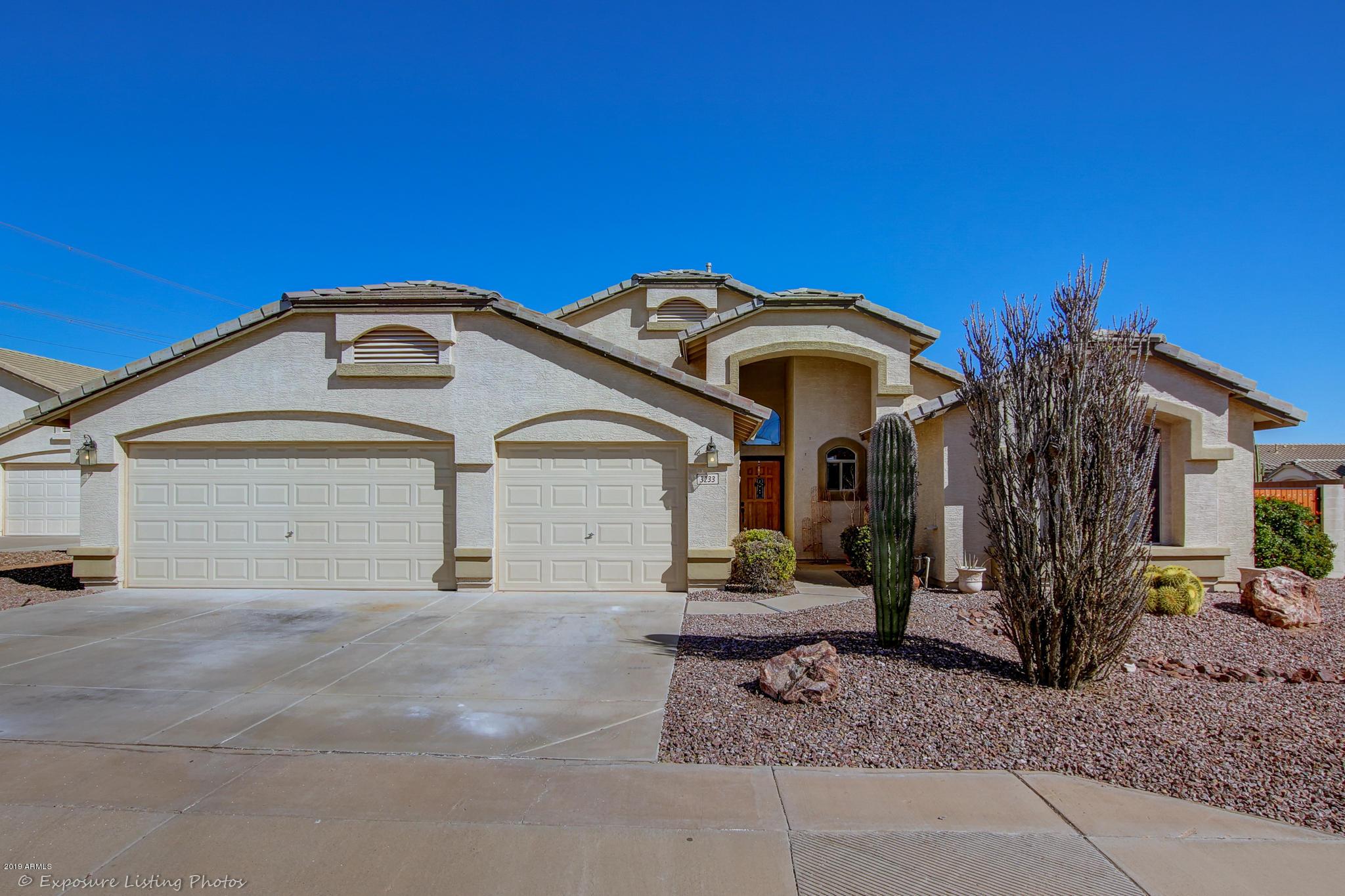 Photo of 3233 S EMERY Circle, Mesa, AZ 85212