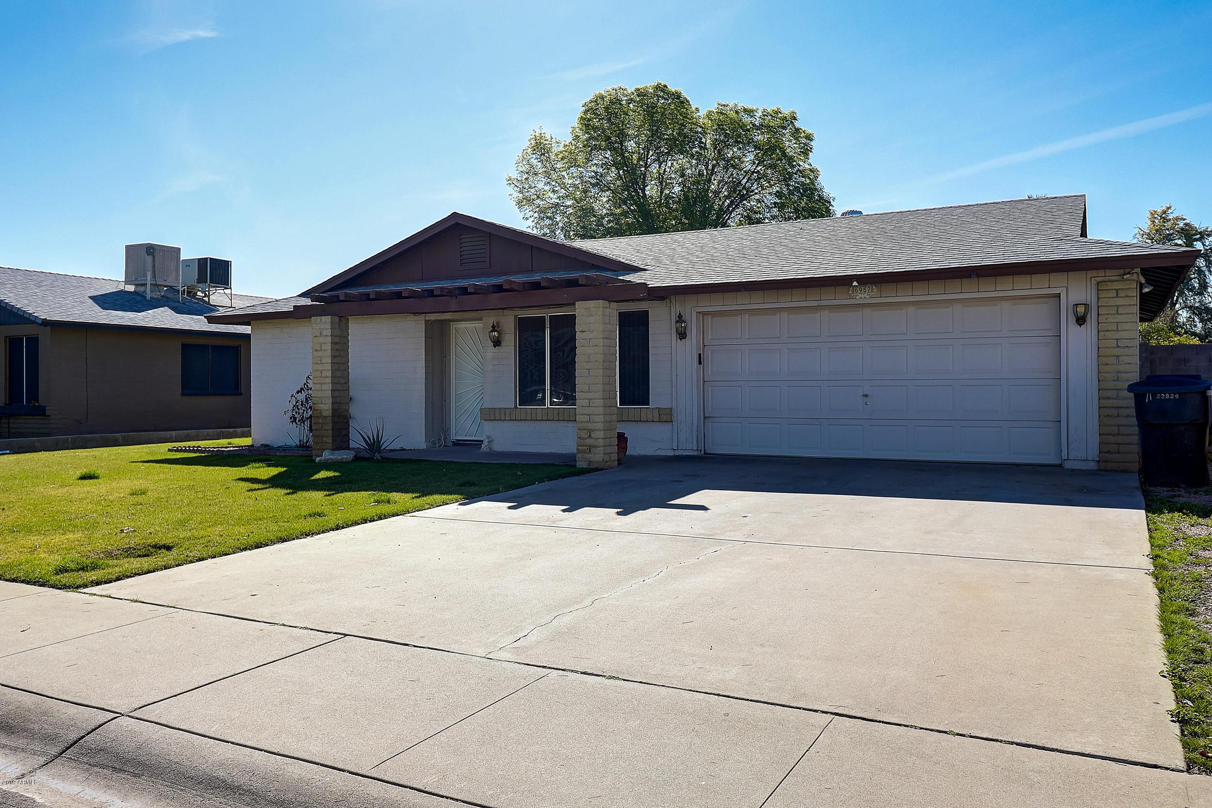 Photo of 6957 W SAN JUAN Avenue, Glendale, AZ 85303
