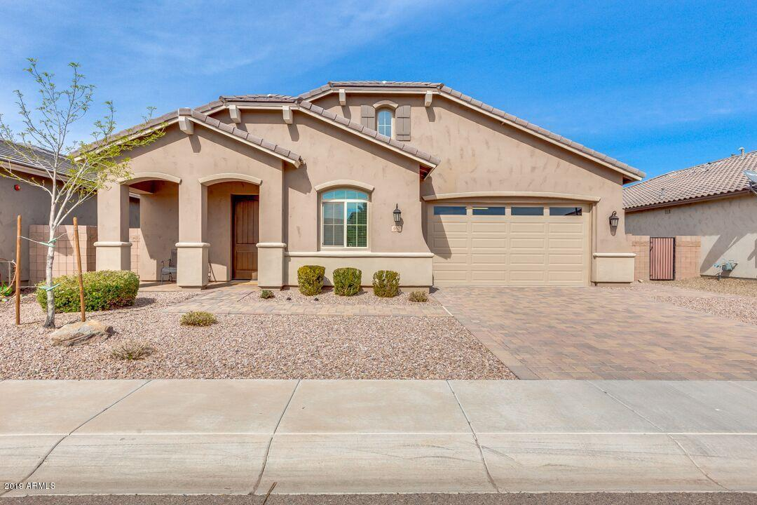Photo of 460 E TORREY PINES Place, Chandler, AZ 85249