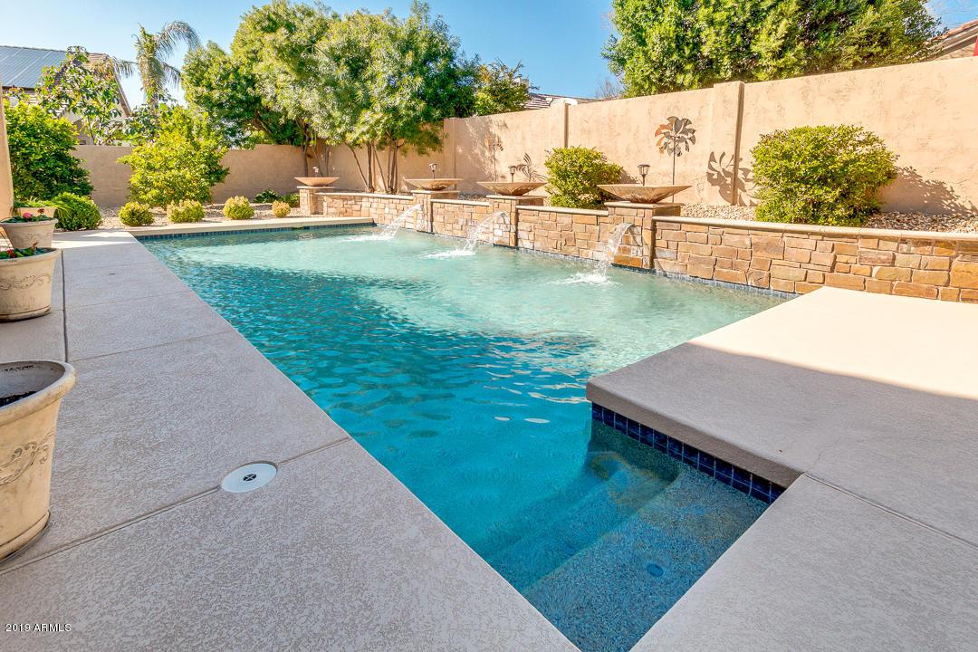 Photo of 7020 W FIREBIRD Drive, Glendale, AZ 85308