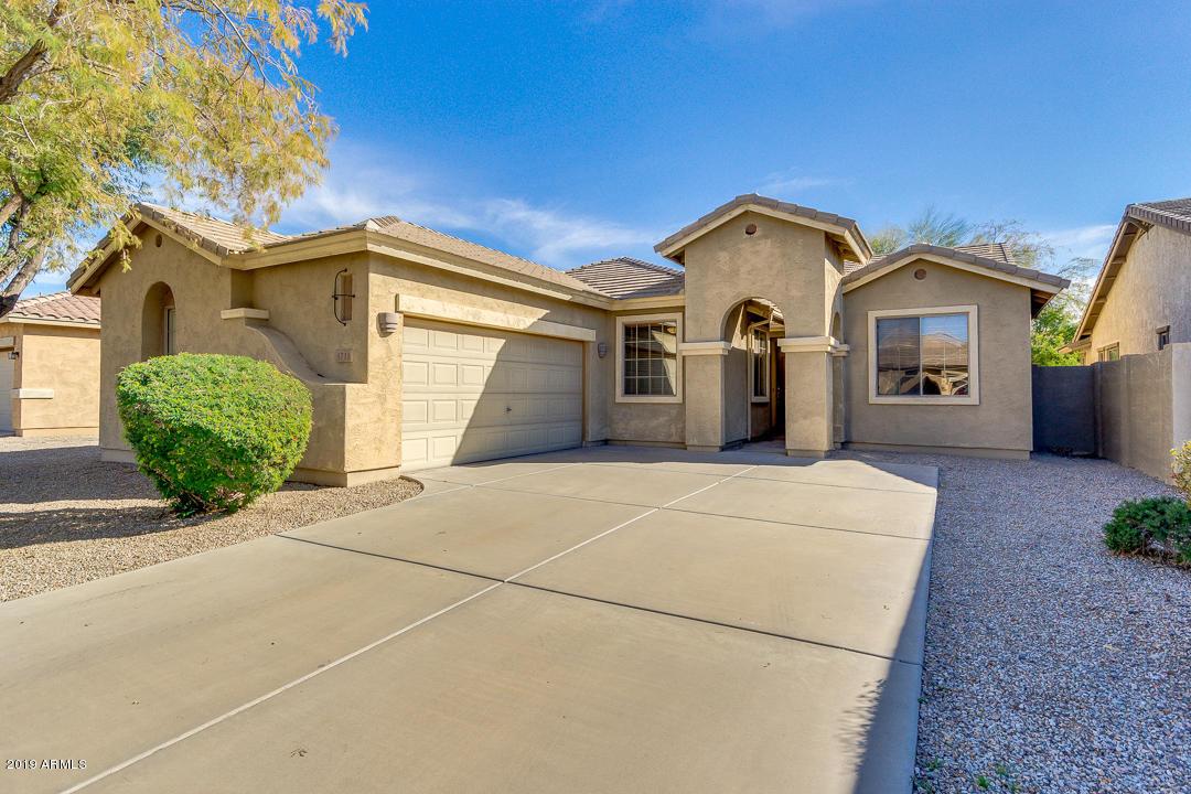 Photo of 1711 W KINGBIRD Drive, Chandler, AZ 85286