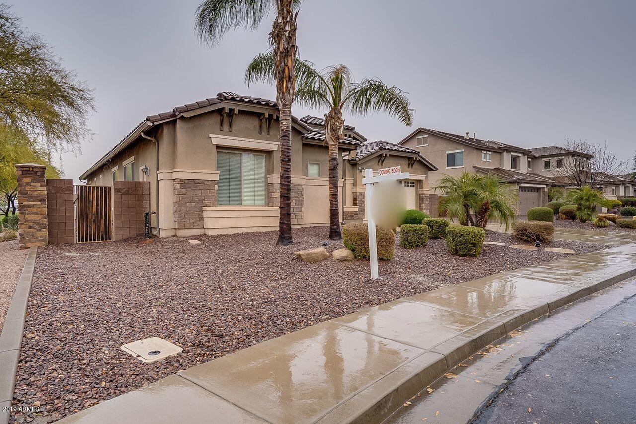 Photo of 2438 E CAROB Drive, Gilbert, AZ 85298