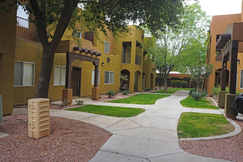 Photo of 1718 W COLTER Street #204, Phoenix, AZ 85015
