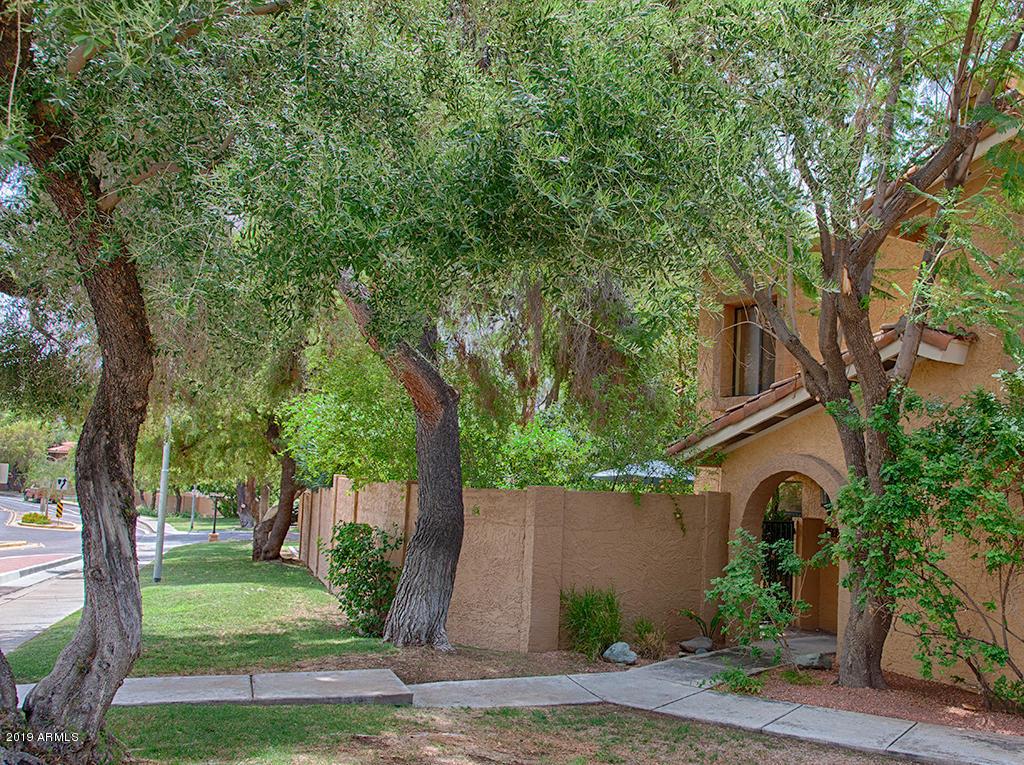 Photo of 816 E NORTH Lane N #2, Phoenix, AZ 85020