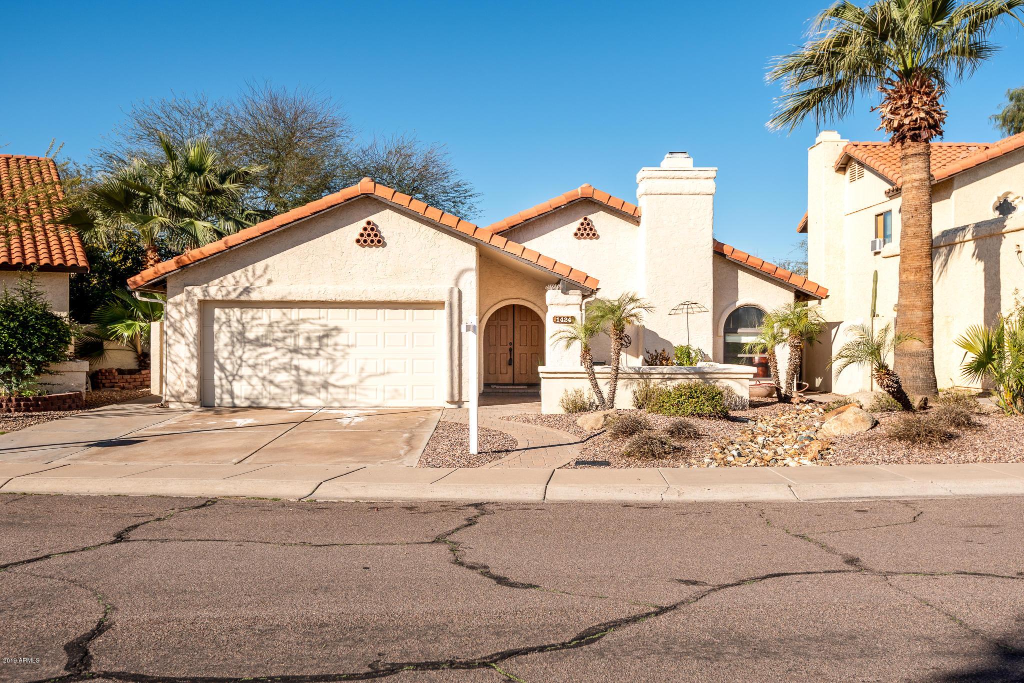 Photo of 1424 N EL CAMINO Drive, Tempe, AZ 85281