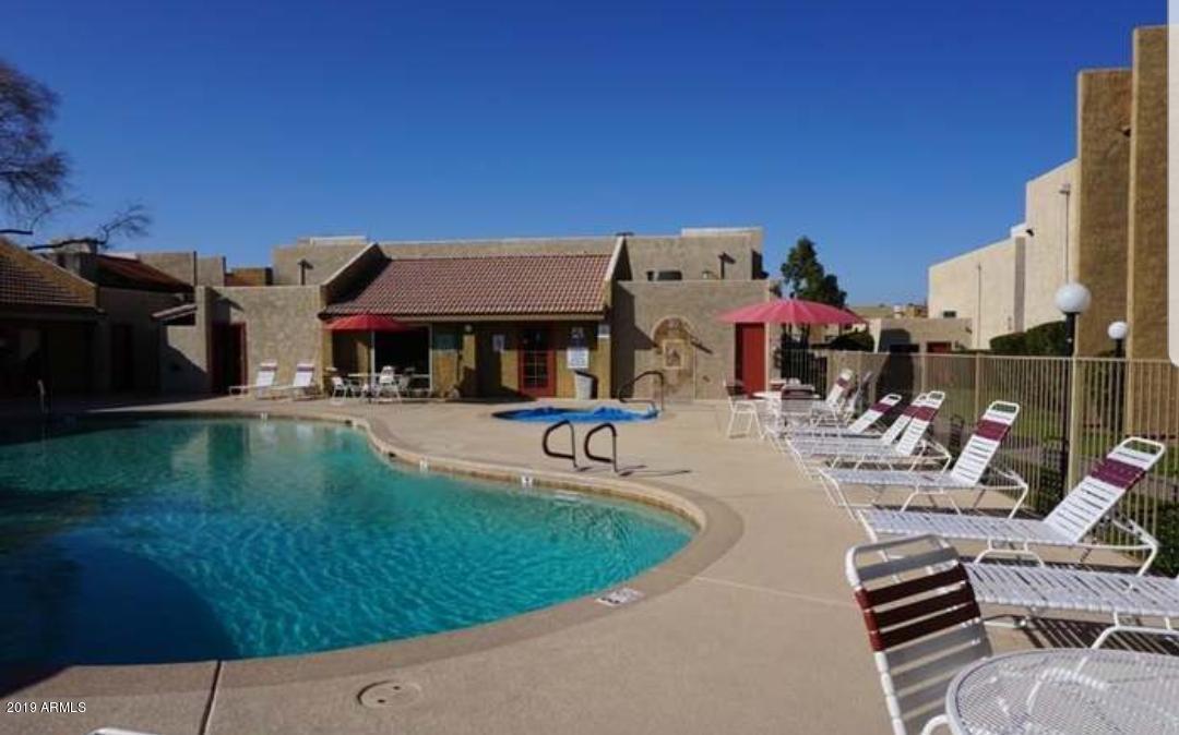 Photo of 5525 E THOMAS Road #B5, Phoenix, AZ 85018