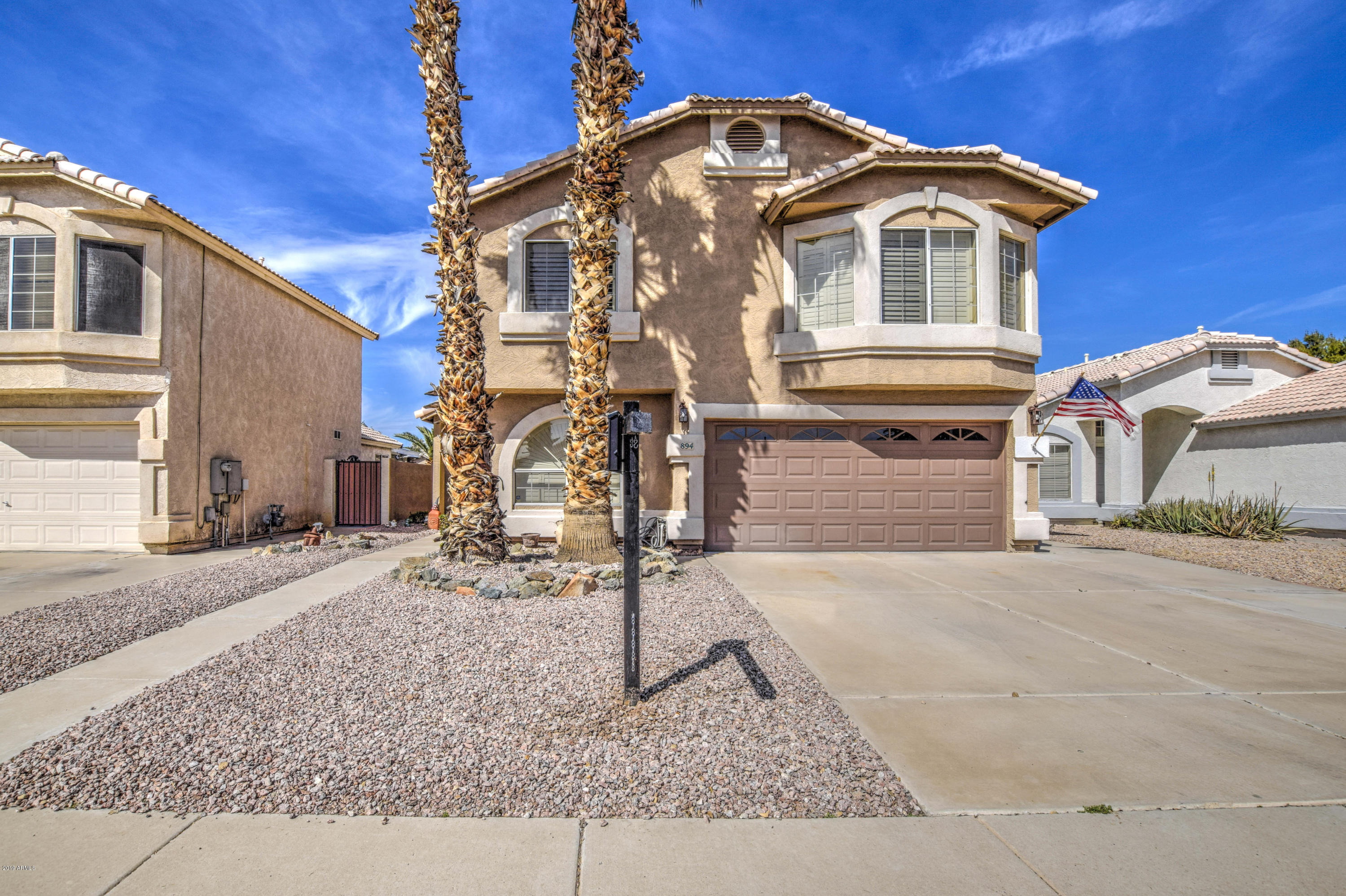 Photo of 894 E WHITTEN Street, Chandler, AZ 85225