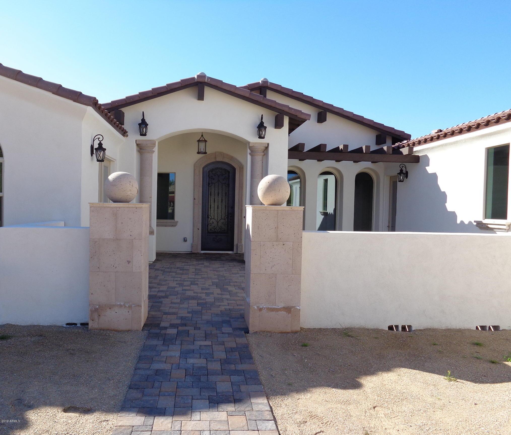 Photo of 6317 W PARKSIDE Lane, Glendale, AZ 85310