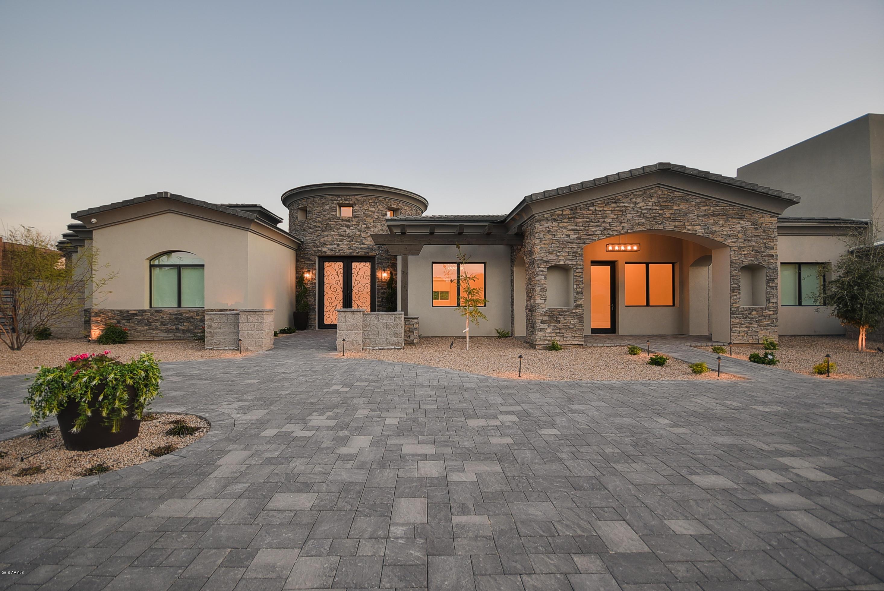 Photo of 3715 E DUNLAP Avenue, Phoenix, AZ 85028